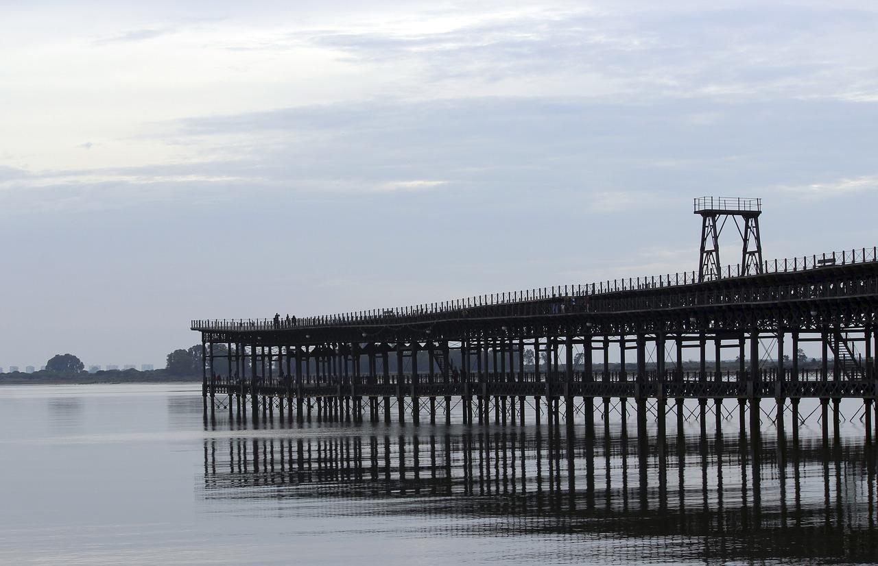 Análisis y mejora del posicionamiento competitivo del puerto de Huelva.