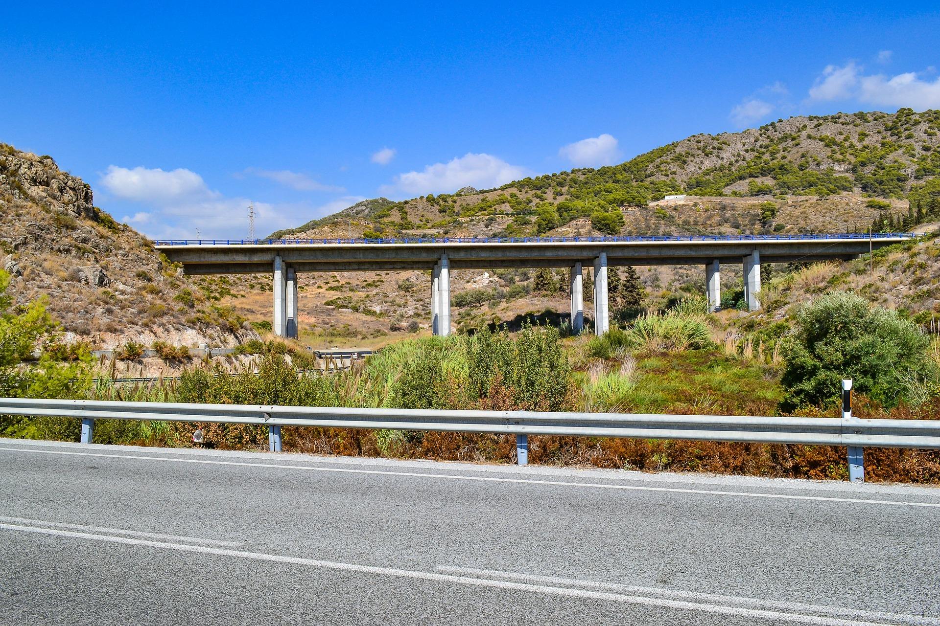 Estudio sobre la fiscalidad en el sector del transporte por carretera y su repercusión en la productividad empresarial y nacional, FOMENTO